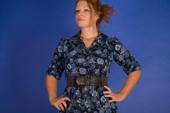 SALE /// Blue For You 1980s Vintage Flowered Secretary Dress Sz Medium / Large