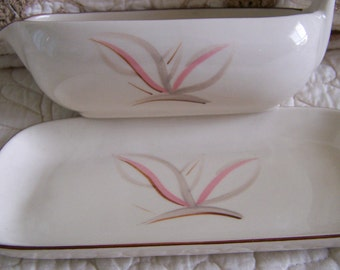 """Vintage 40's"""" WINFIELD Dragon Flower"""" Gravy Boat with Matching Holding Tray / Under Plate"""
