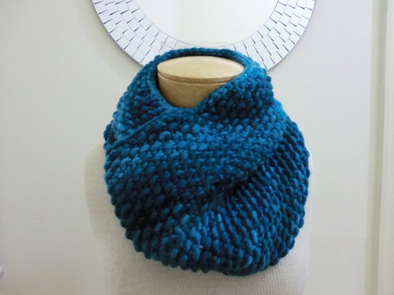 CLEARANCE, Teal Feather Womens Cowl/Neckwarmer, Pure Merino Wool. Super Soft