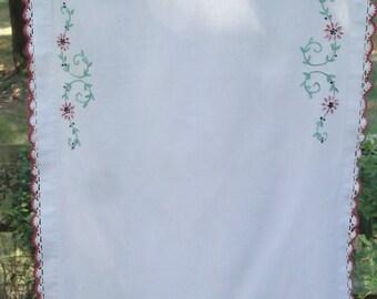 Vintage Embroideried Dresser Scarf