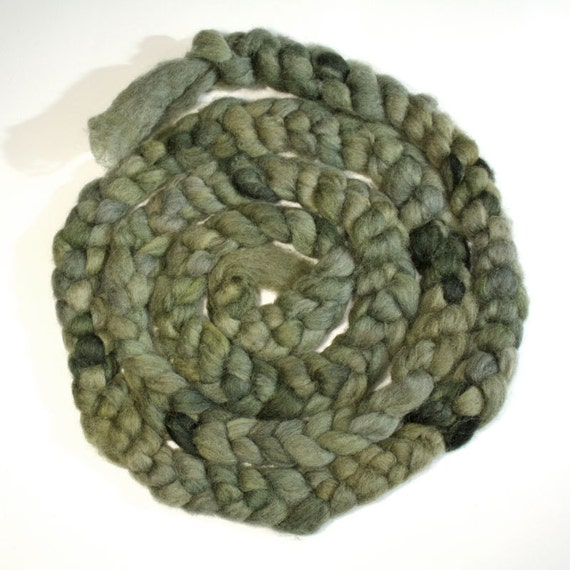 Moss Green Kainuu Grey Finnsheep roving, 140 g, 4.9 oz