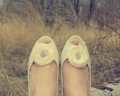 Ivory Shoe Clips Jewel Center Cream Wedding Shoe Clips Bluette Shoe Clips Off White MADE TO ORDER