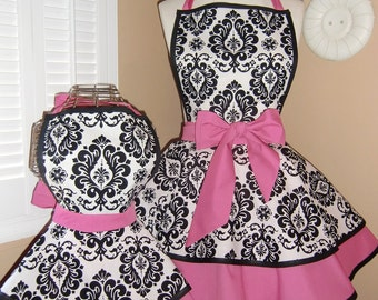 Mother and Daughter Matching Retro Apron Set in Damask Print...Custom Order Your Sizes...Plus Sizes Available