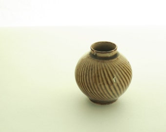 Vintage Tiny Brown Vase, Ceramic home decor, Old vase flowers 70s