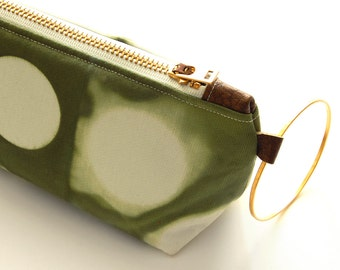 Tie Dye Green Clutch - Contemporary Shibori Wristlet Clutch - Moss