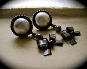 Pearls and Bows- Silver earrings