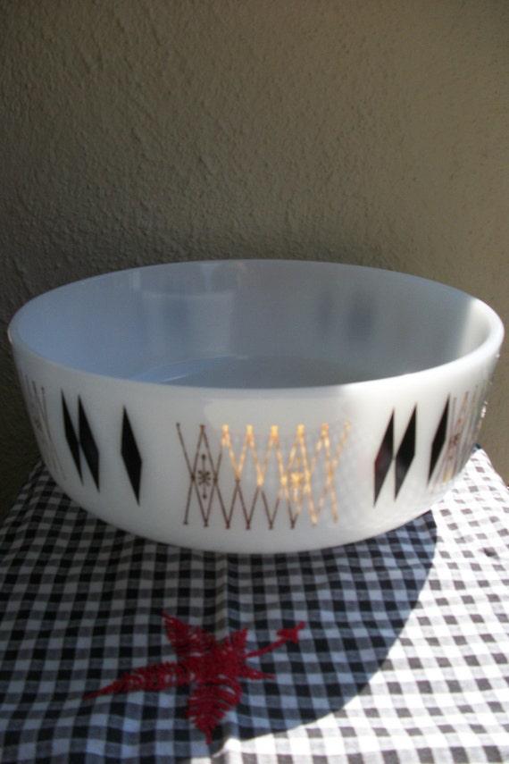 Federal Milk Glass Mixing Bowl - Starburst Atomic Pattern- 3.5 Quart