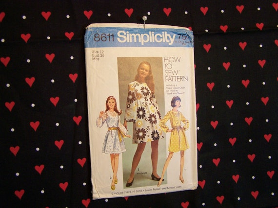 1960s Dress Pattern 8611 from Simplicity, 1969