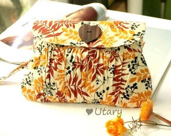 Pleated Purse Wristlet Autumn Leaf Colors