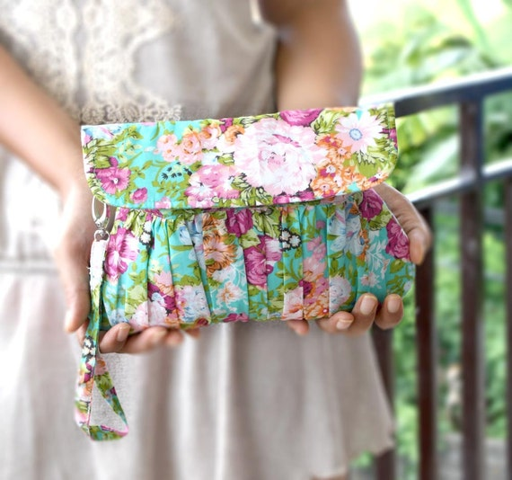 Clutch in Mint turquoise and Fuchsia Floral