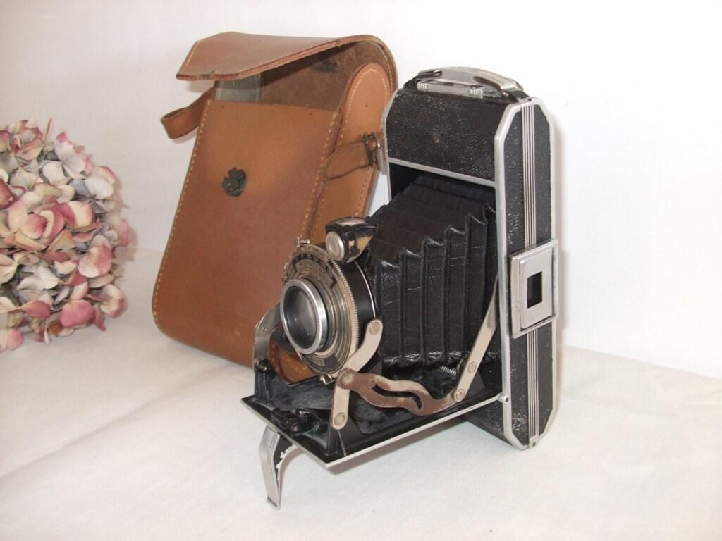 Vintage French Superb Pontiac Paris Folding Camera