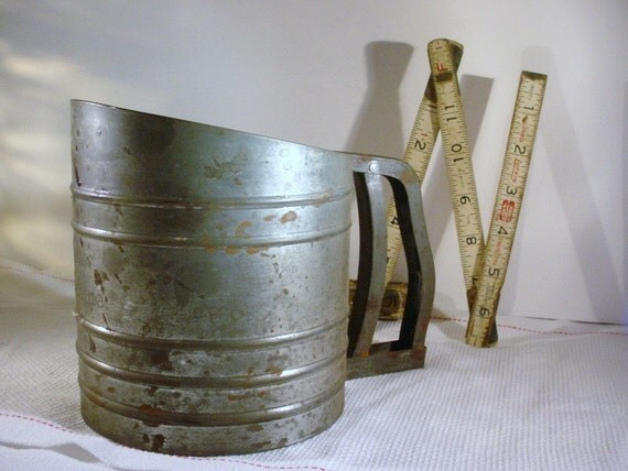 Flour Sifter - Foley  Sift-Chine  Vintage Rustic