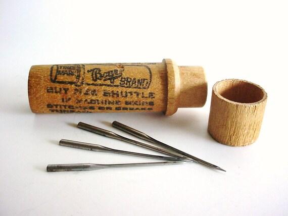 Wood Needle Case with Three Needles - Vintage - Boye Needle Co - 16-40-100