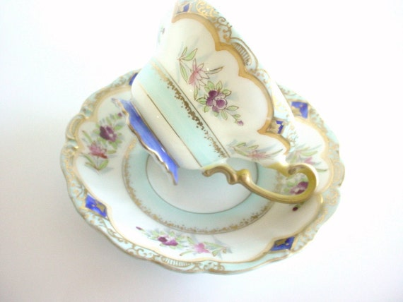 Hand Painted Tea Cup and Saucer Set - Vintage - Made In Japan