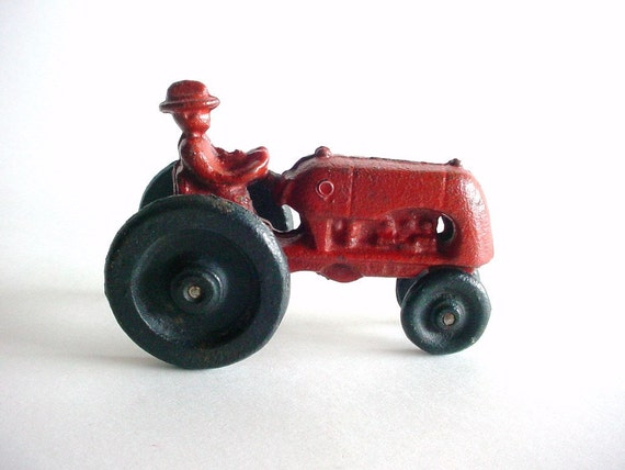 Cast Iron Red Tractor with Farmer - Primitive Toy - Vintage - wlv t