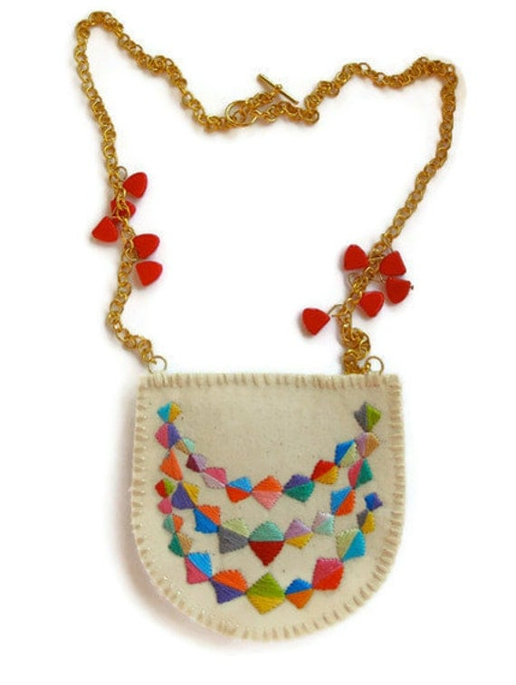 Long colorful necklace embroidered with a triple banner triangle design