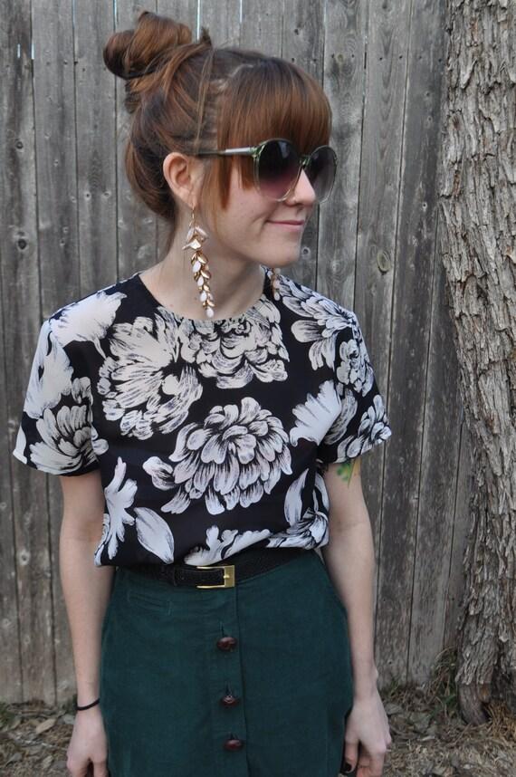 Black and White Flower Short Sleeve Blouse Size S