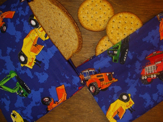CONSTRUCTION VEHICLES Diggers Dozers Dump Trucks Reusable Snack Bags. 2 snack  Virtually Crumb Free with Onewrap Velcro Closure.