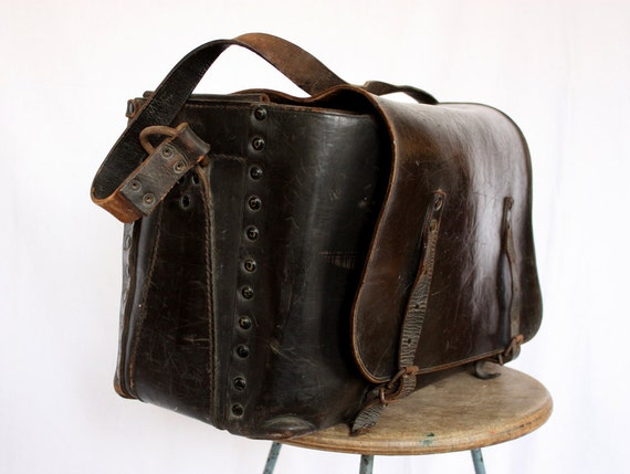 GREAT very OLD french real leather BAG - National railway workbag - Shabby Chic