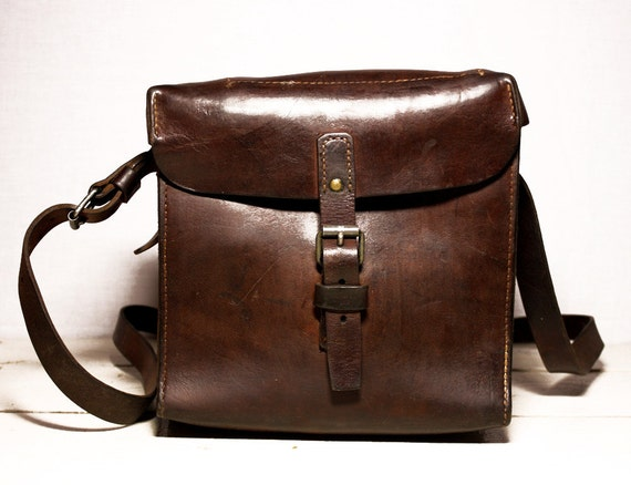 Great old real leather french WORKBAG  - Shabby Chic -