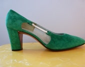 Reserved til 4/26 60's Herbert Levine Mod Green Suede Cut Out Heels 7