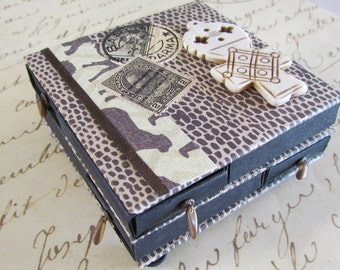 Matchbox trinket box with 8 tiny drawers - African theme - travel