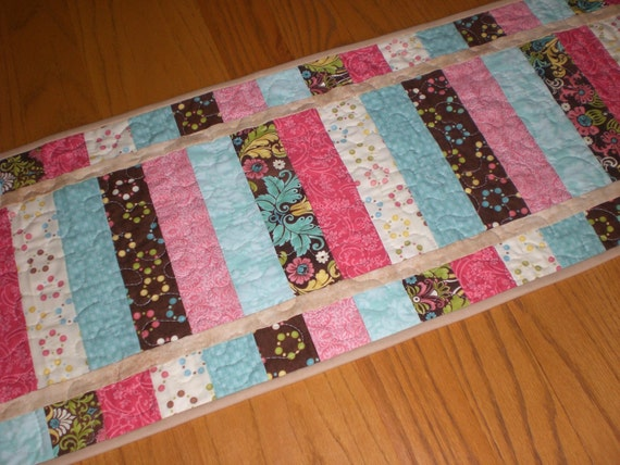Table runner, modern, in pink brown and turquoise