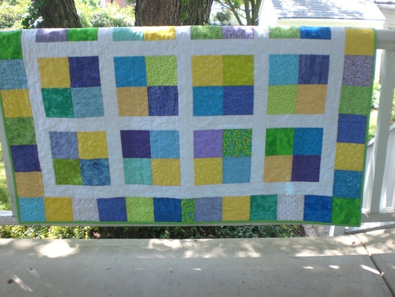 Baby boy quilt in blue, green and yellow