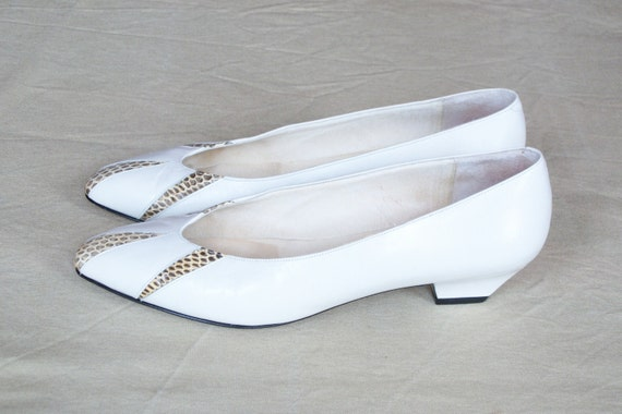 Size 9 Amalfi White Leather Heels with Cutout Snakeskin Toe 1960s
