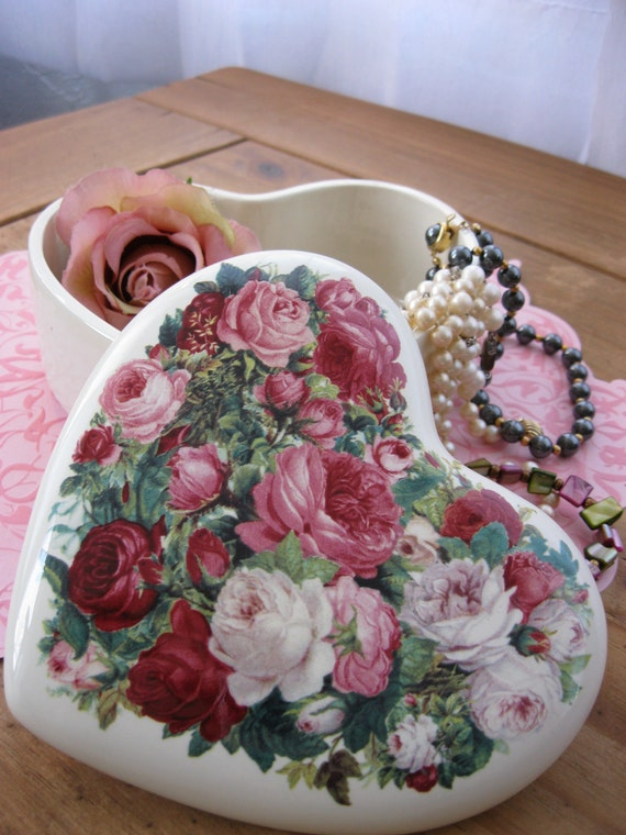Romantic Little Glass rose Trinket Box