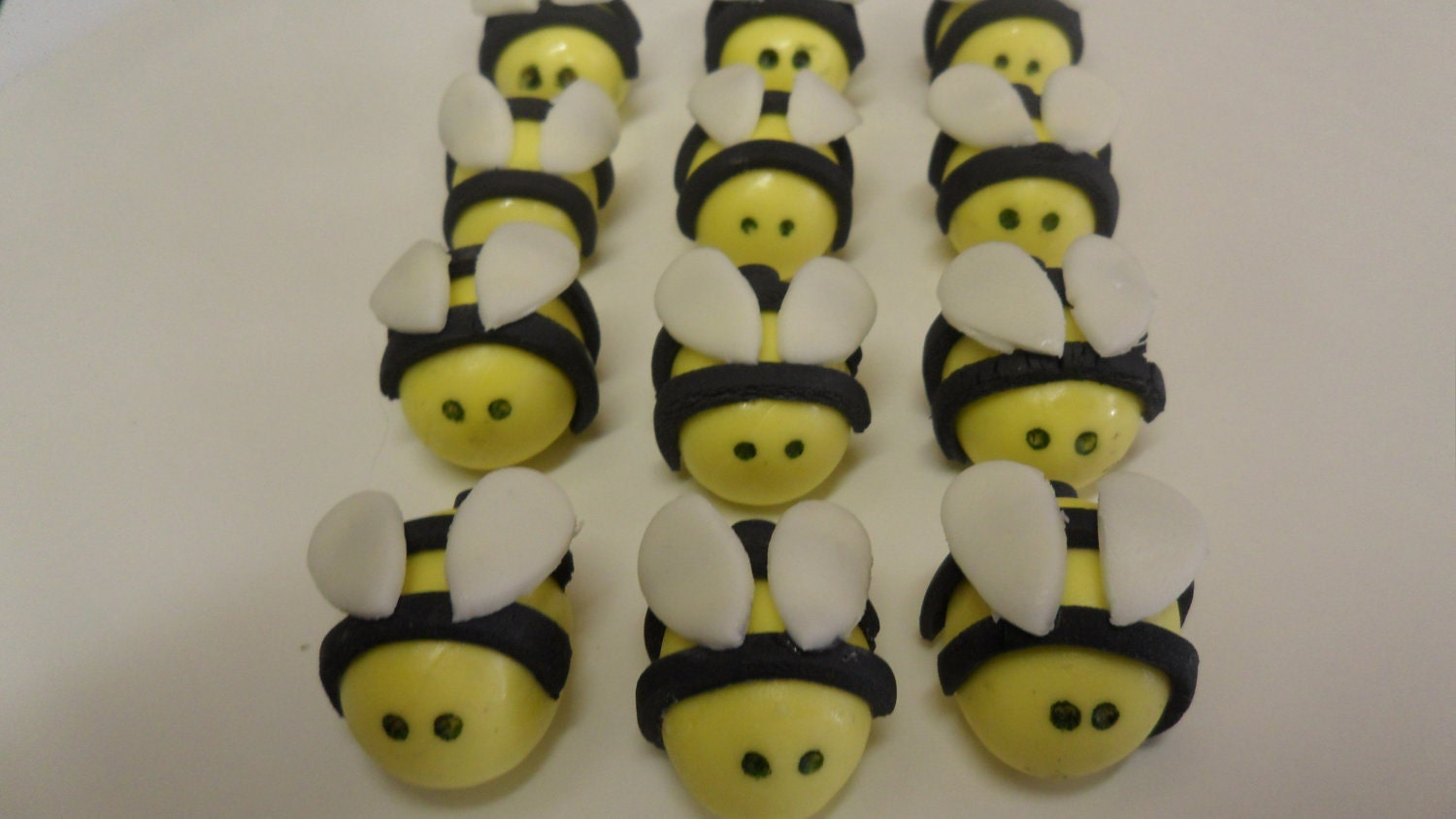 Items similar to Fondant Bumble Bee Cupcake Toppers on Etsy