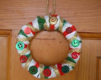 Mini yarn wreath ornament