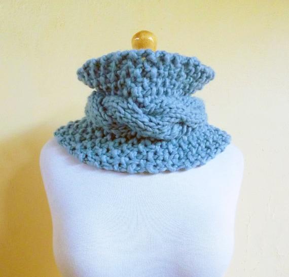 Cowl - Wool  LIGHT BLUE patterned - neckwarmer - Woolen