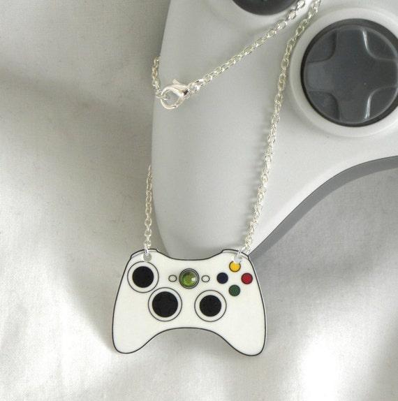 GIRL GAMER Xbox 360 Video Games Controller Necklace XBOX360