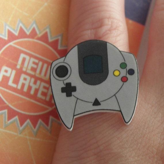 GIRL GAMER Dreamcast Video Game Controller Ring SEGA