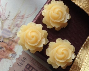 21 mm Yellow Colour Cabbage Rose Resin Flower Cabochons (.nm)