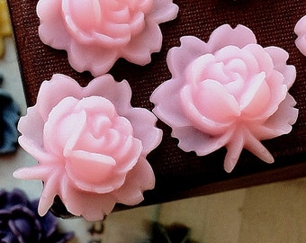 18 x 18 mm Light Pink Resin Flower Cabochons (.ag)