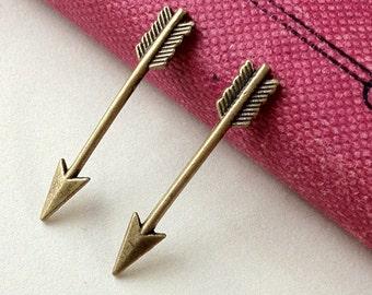 """30 mm """"The Arrow""""  Feather Arrow Charm Pendant (.mc)"""