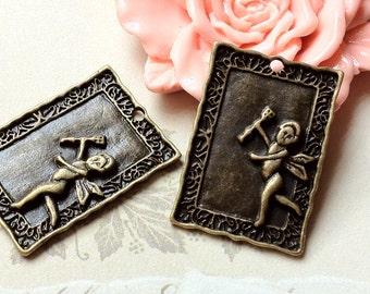 31 mm x 21 mm Antique Bronze Cupid Charm Pendant (.am)