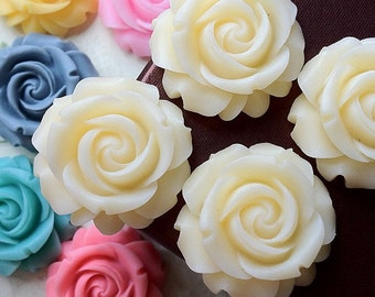 29 mm Cream Color Cabbage Rose Resin Flower (.cg)
