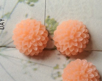 15 mm Peach Resin Dahlia Flower Cabochons (.st) (new .sm)