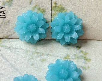 12 mm Lake Blue Color Little Daisy Chrysanthemum Resin Flower Cabochons  (.tu)