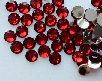 2 mm High Quality 14 Faceted Cut Resin Rhinestone Siam Diamond (.cu)