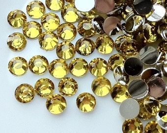 4 mm High Quality 14 Faceted Cut Resin Rhinestone Yellow Diamond (.mmshg)