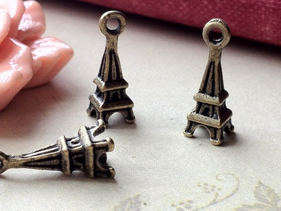 17 x 6 mm Antiqued Bronze / Tibetan Silver Eiffel Tower Charm Pendant (.sm)