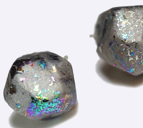 geometric iridescent small stud earring Silver Rainbow Oilslick