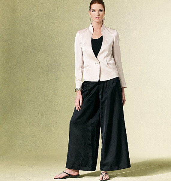 2010 ISSEY MIYAKE VOGUE Pattern  v1186 Size 6 thru 12 Jacket and Pants Sophisticated  Suit Look