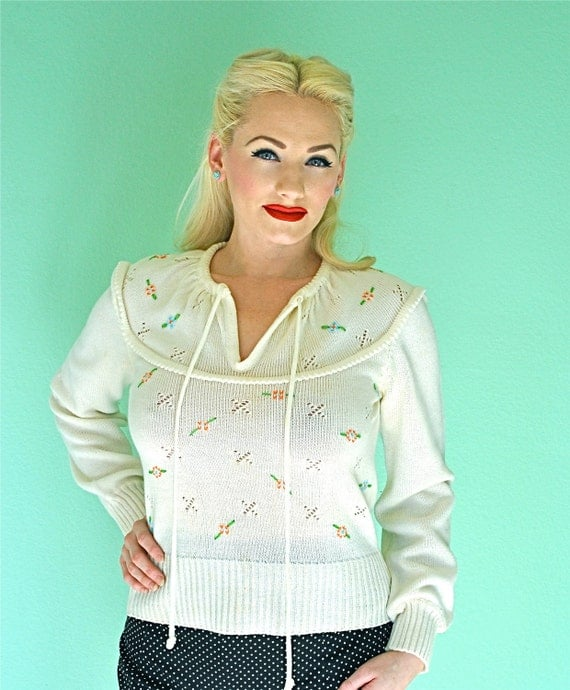 Pinup Sweater with Embroidered Flowers - 1950s Rockabilly Girl