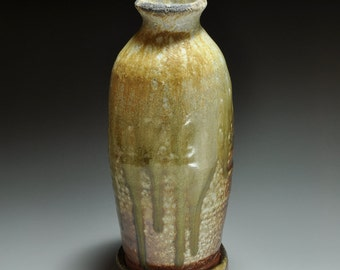 Shigaraki, anagama, ten-day anagama wood firing, with natural ash deposits flower vase. hana-41