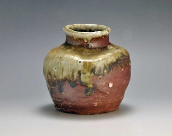 Shigaraki, anagama, ten-day anagama wood firing, with natural ash deposits wall hanging flower pot, kakeuzu-21